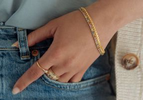 armband geelgoud saffier